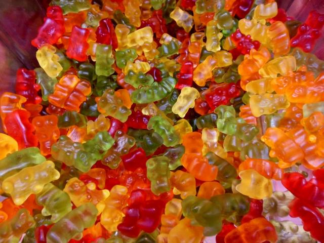 お菓子のグミは体に悪い?食べ過ぎなければ大丈夫?HARIBOなどの外国のグミは?