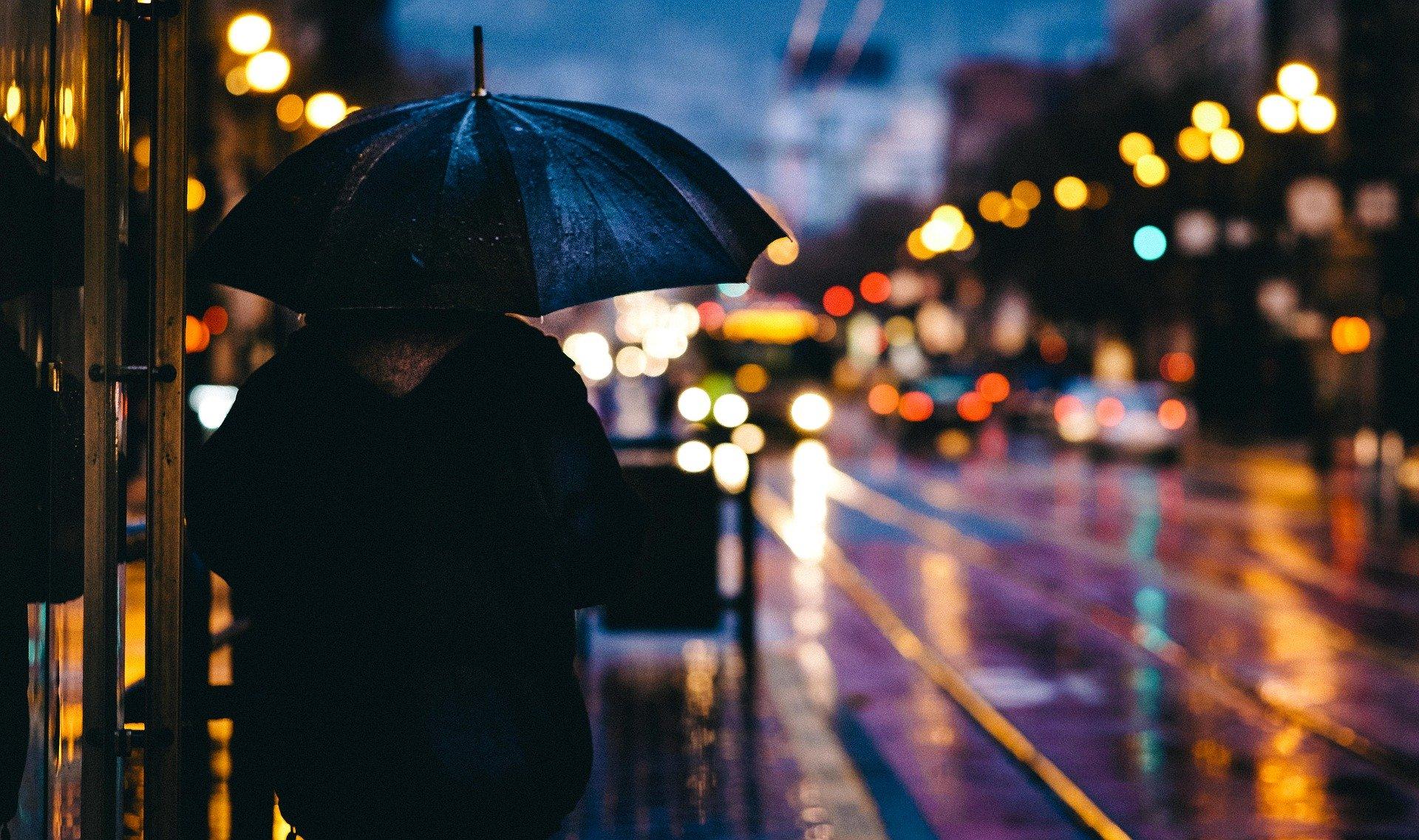 「黒い雨」埼玉県蓮田市で通報続出!千葉県野田市の工場の火災の可能性があるが遠いか?